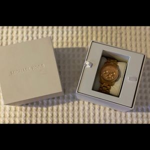 Woman's Michael KORS watch in mint condition